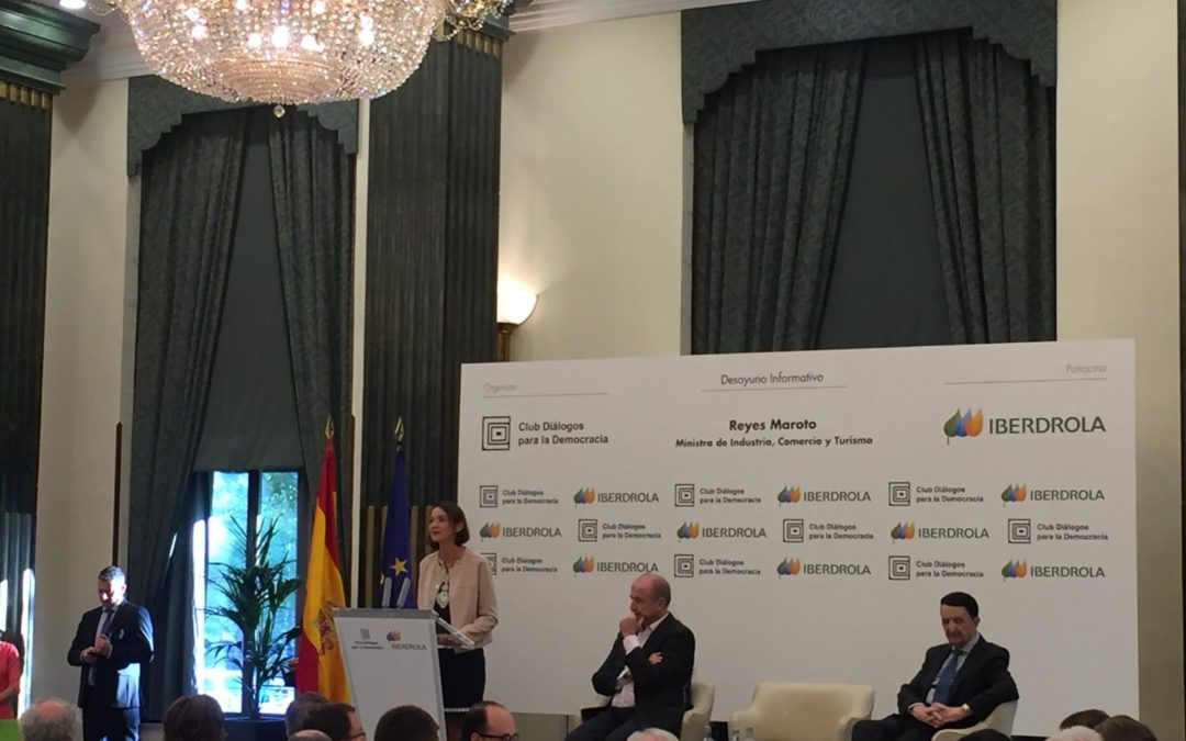 DESAYUNO INFORMATIVO CON LA MINISTRA DE INDUSTRIA, COMERCIO Y TURISMO